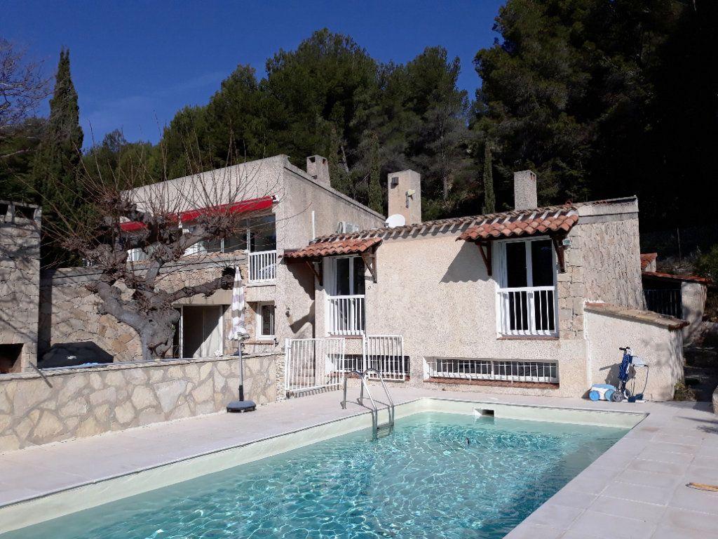 Maison à vendre 8 195m2 à La Cadière-d'Azur vignette-1