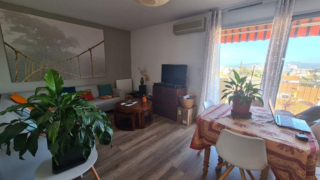 Appartement à vendre 3 57m2 à La Seyne-sur-Mer vignette-4