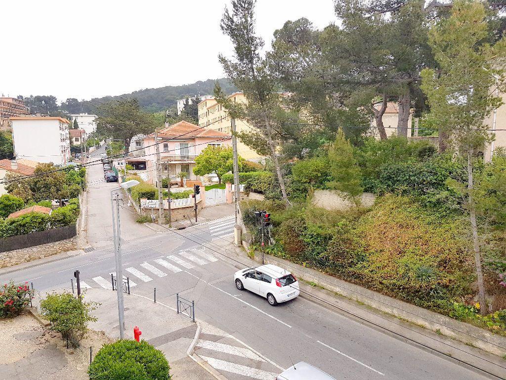 Appartement à vendre 3 61.42m2 à La Seyne-sur-Mer vignette-1