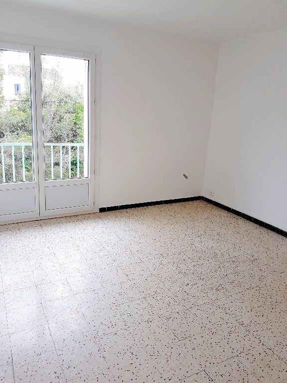 Appartement à vendre 3 61.42m2 à La Seyne-sur-Mer vignette-4