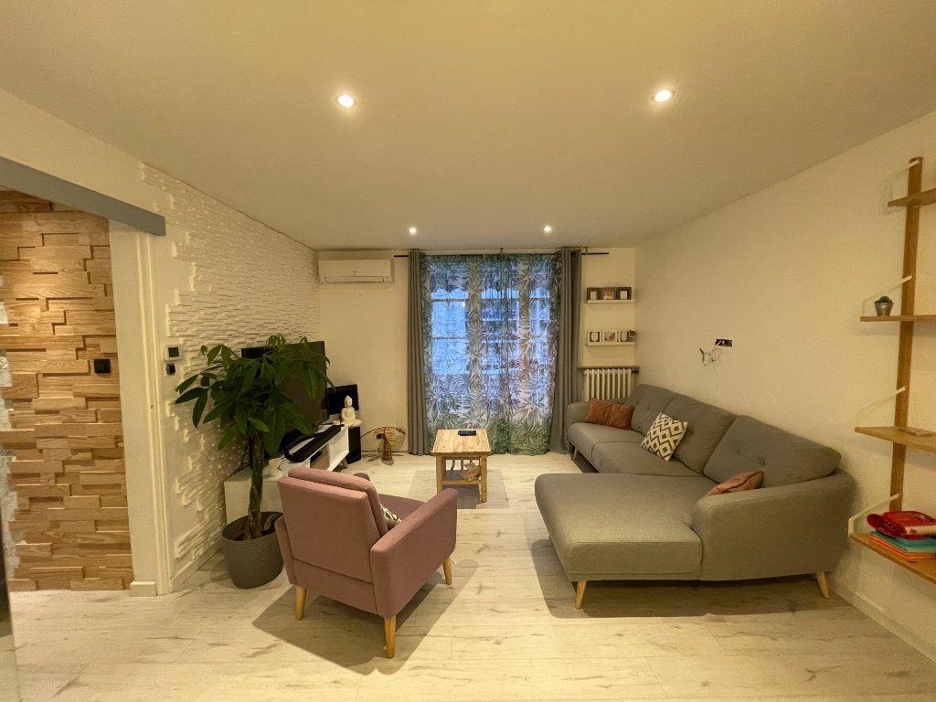 Appartement à vendre 4 77m2 à La Seyne-sur-Mer vignette-2