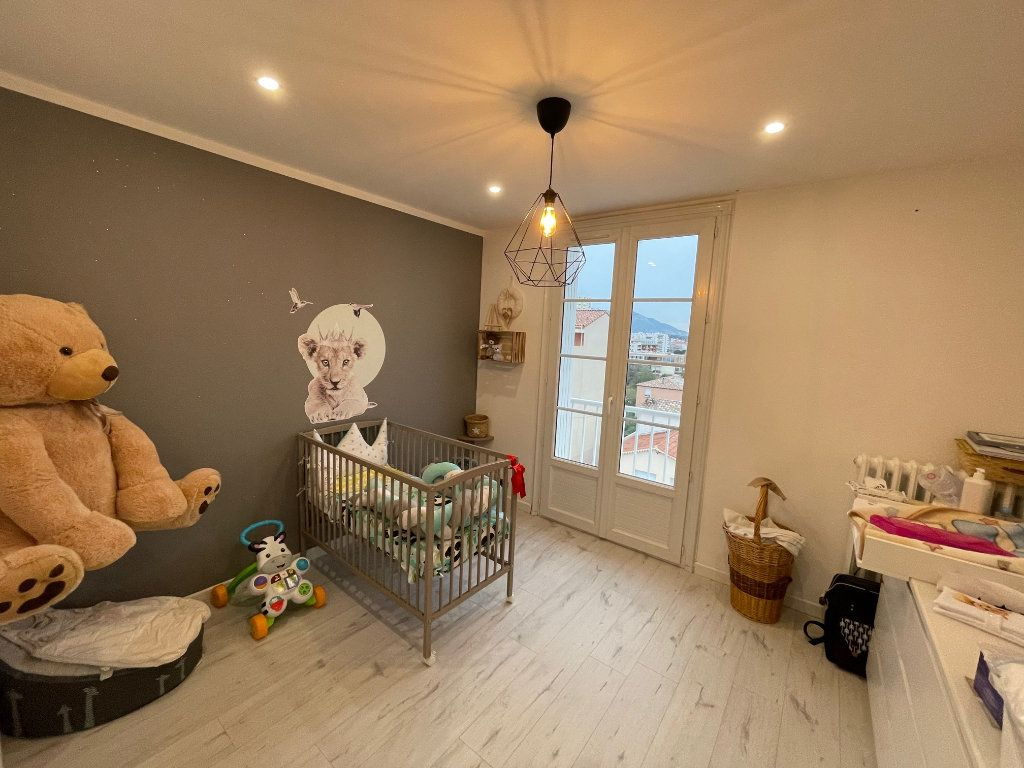 Appartement à vendre 4 77m2 à La Seyne-sur-Mer vignette-8