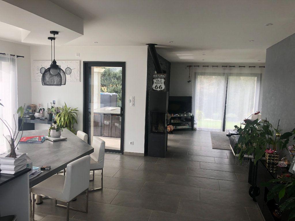 Maison à vendre 6 146m2 à La Seyne-sur-Mer vignette-3