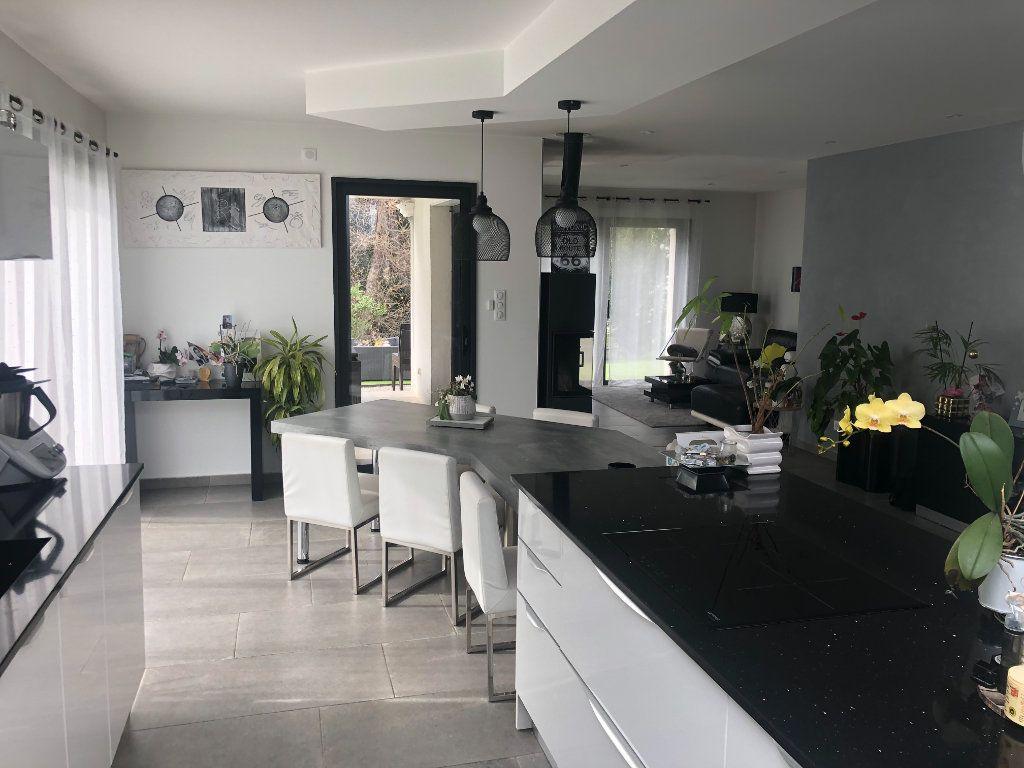 Maison à vendre 6 146m2 à La Seyne-sur-Mer vignette-4