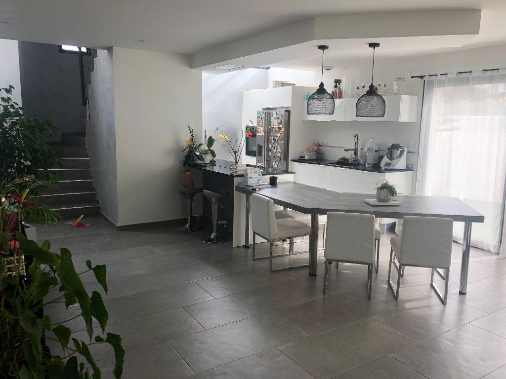 Maison à vendre 6 146m2 à La Seyne-sur-Mer vignette-5