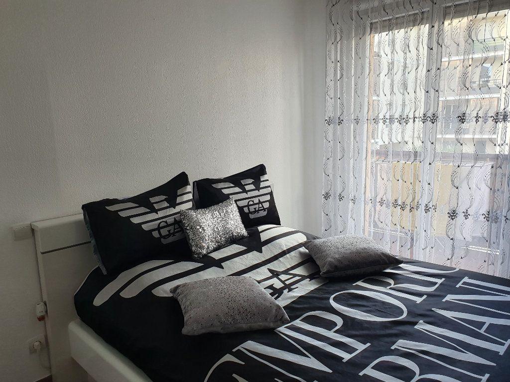Appartement à vendre 3 74m2 à La Seyne-sur-Mer vignette-4