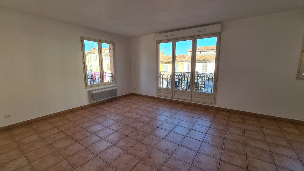 Appartement à vendre 3 67m2 à La Seyne-sur-Mer vignette-2