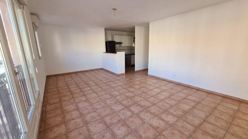 Appartement à vendre 3 67m2 à La Seyne-sur-Mer vignette-4
