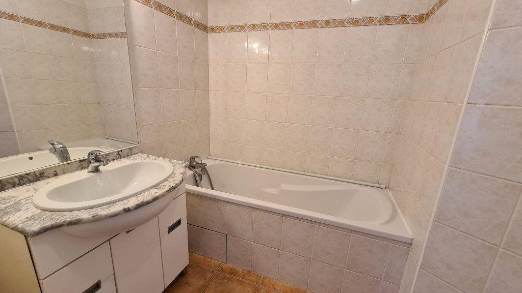 Appartement à vendre 3 67m2 à La Seyne-sur-Mer vignette-7