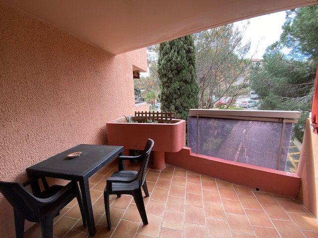 Appartement à louer 1 22.95m2 à La Seyne-sur-Mer vignette-1