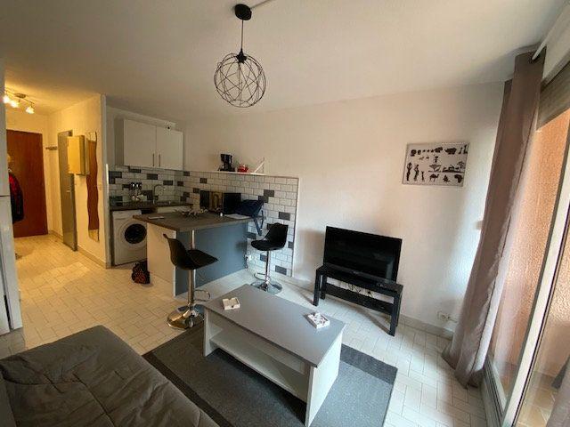 Appartement à louer 1 22.95m2 à La Seyne-sur-Mer vignette-3