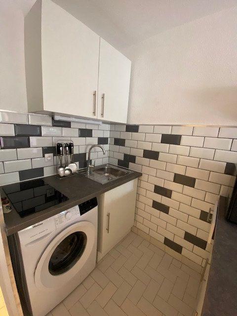 Appartement à louer 1 22.95m2 à La Seyne-sur-Mer vignette-4