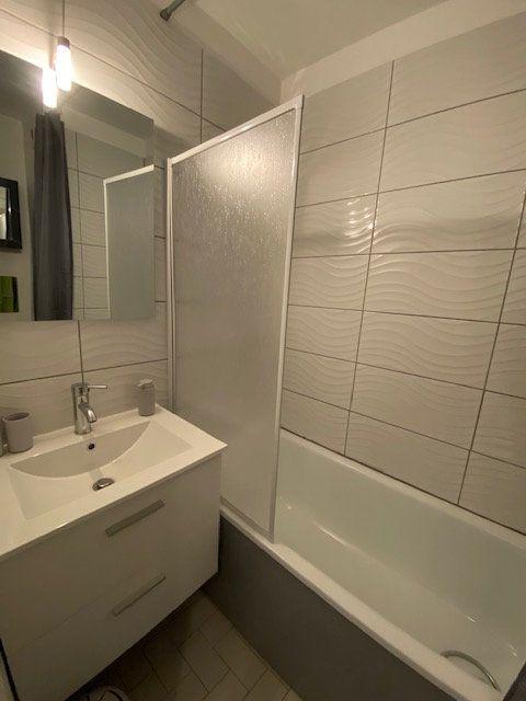 Appartement à louer 1 22.95m2 à La Seyne-sur-Mer vignette-5