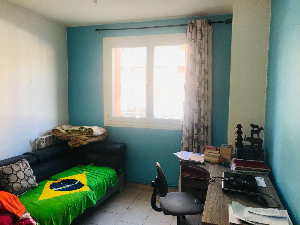 Appartement à vendre 4 66m2 à Toulon vignette-3