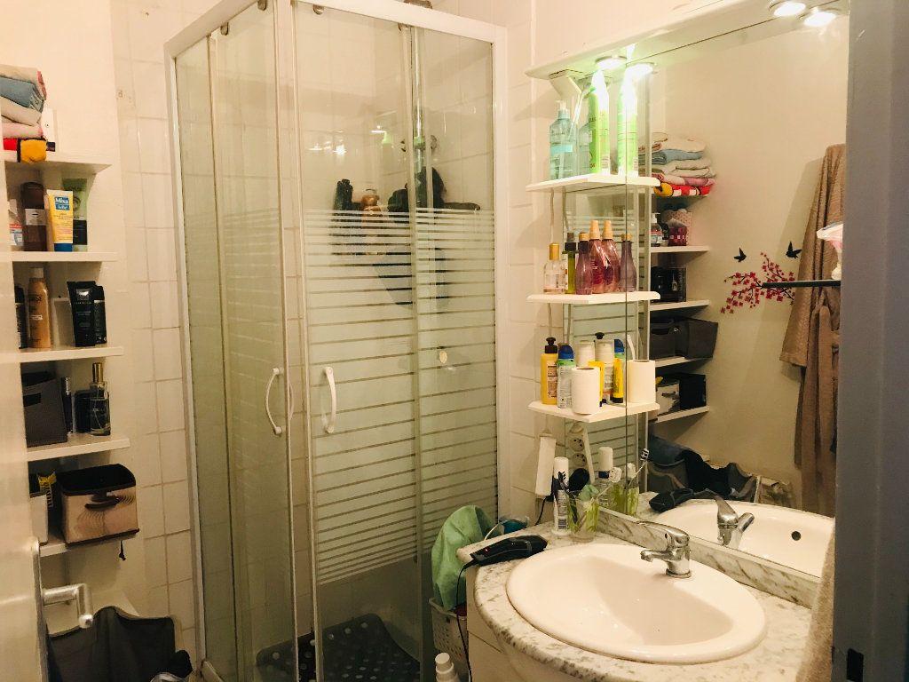 Appartement à vendre 4 66m2 à Toulon vignette-5