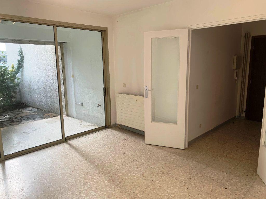 Appartement à vendre 2 44m2 à Sanary-sur-Mer vignette-2