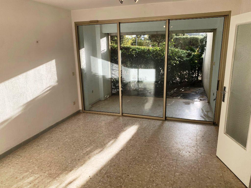 Appartement à vendre 2 44m2 à Sanary-sur-Mer vignette-3
