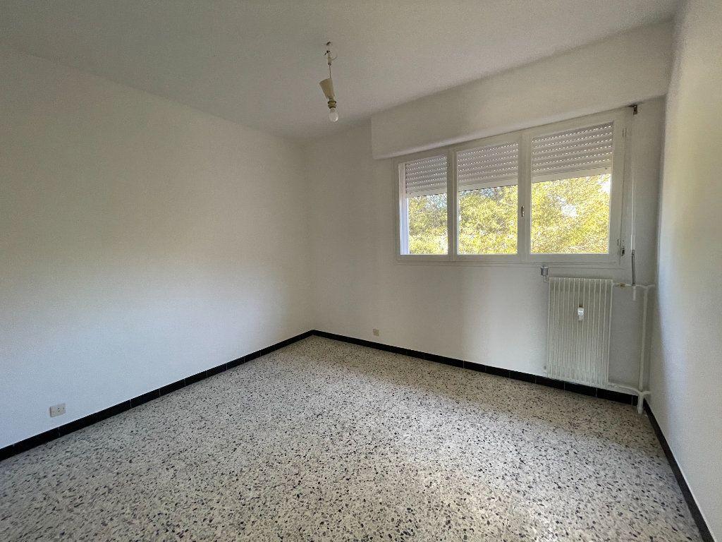 Appartement à vendre 5 87.01m2 à Toulon vignette-3