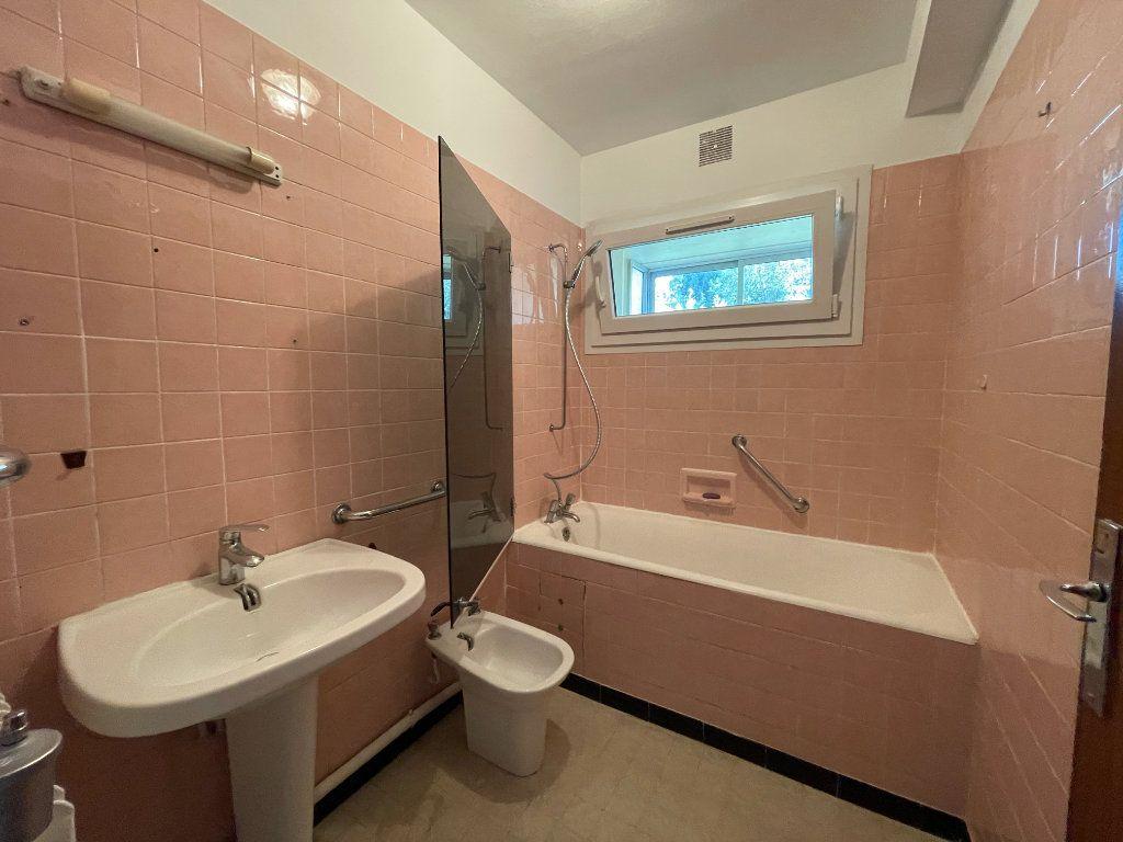 Appartement à vendre 5 87.01m2 à Toulon vignette-5