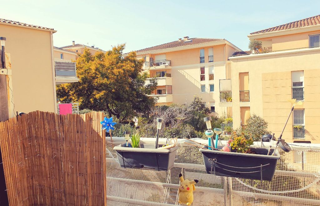 Appartement à vendre 3 62m2 à La Seyne-sur-Mer vignette-3