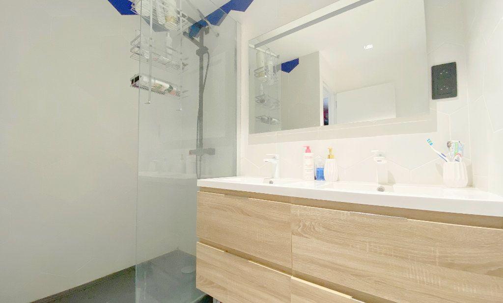 Appartement à vendre 3 68m2 à La Seyne-sur-Mer vignette-9