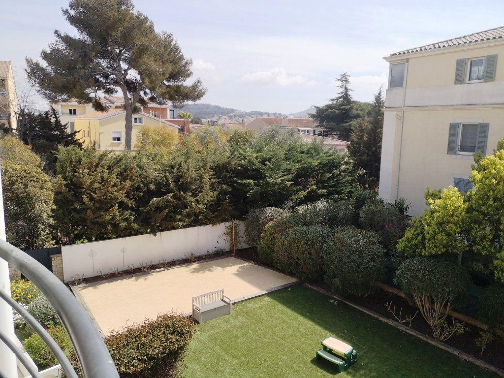 Appartement à vendre 3 69.3m2 à Sanary-sur-Mer vignette-1