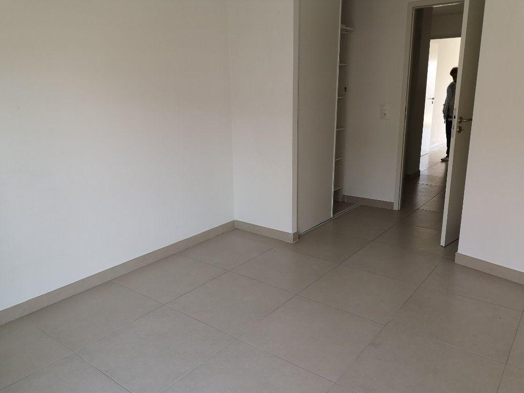 Appartement à vendre 3 69.3m2 à Sanary-sur-Mer vignette-5