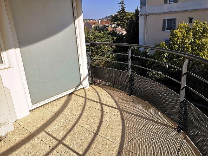 Appartement à vendre 3 69.3m2 à Sanary-sur-Mer vignette-6