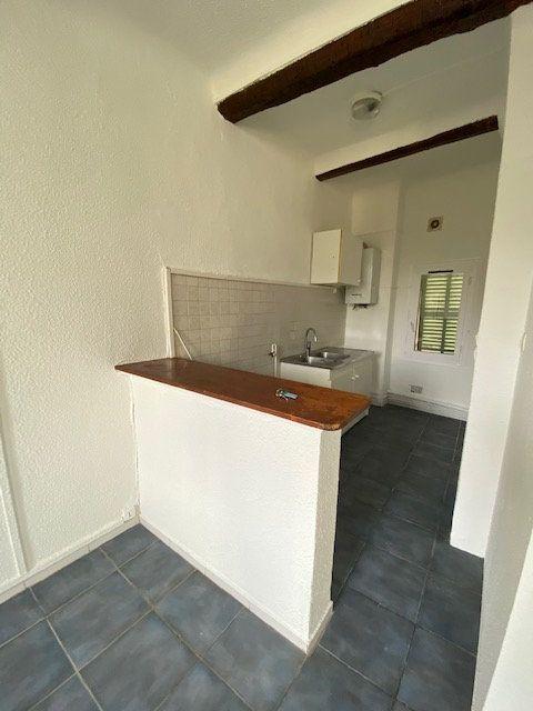 Appartement à louer 3 40m2 à La Seyne-sur-Mer vignette-1