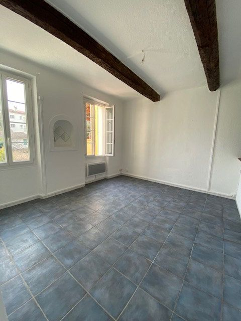 Appartement à louer 3 40m2 à La Seyne-sur-Mer vignette-2
