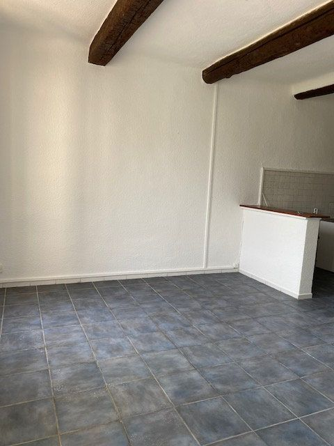 Appartement à louer 3 40m2 à La Seyne-sur-Mer vignette-3