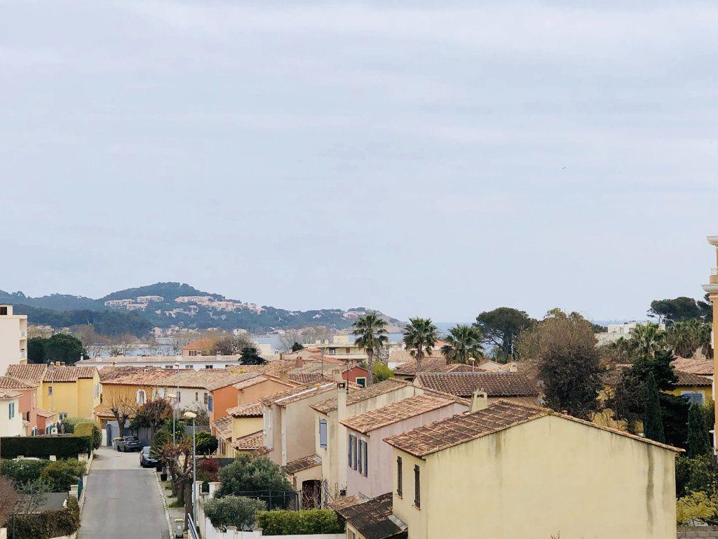 Appartement à vendre 2 38m2 à La Seyne-sur-Mer vignette-1