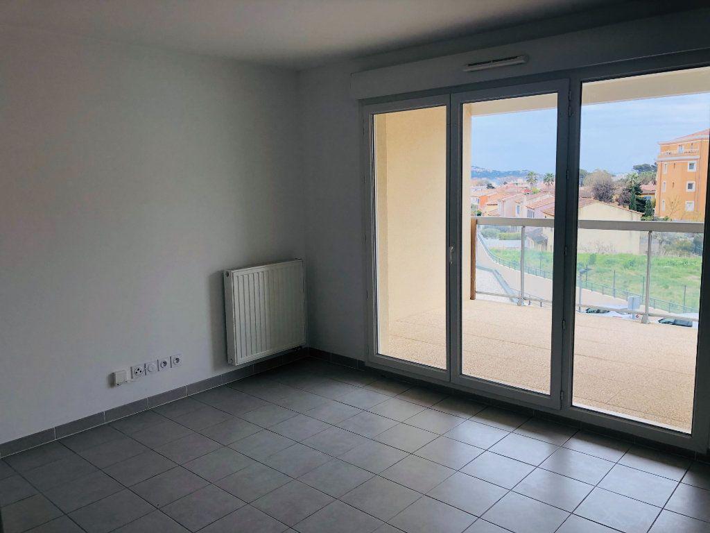 Appartement à vendre 2 38m2 à La Seyne-sur-Mer vignette-2