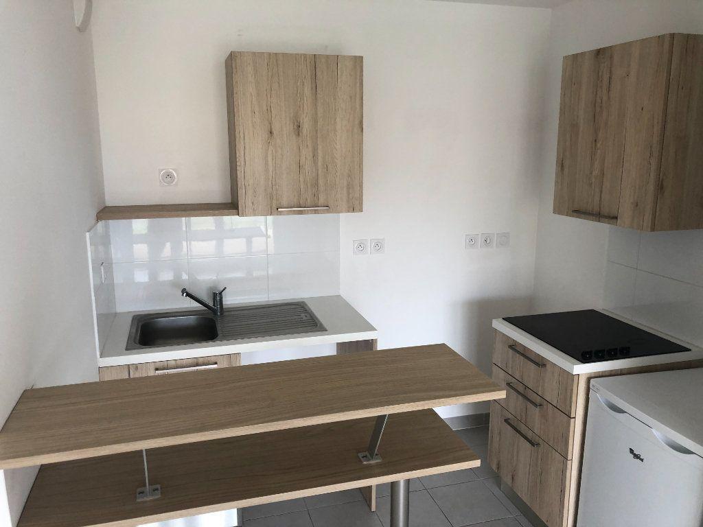 Appartement à vendre 2 38m2 à La Seyne-sur-Mer vignette-3