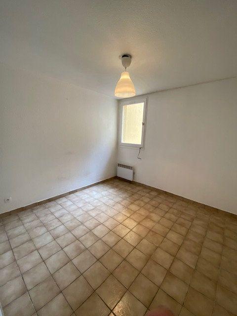 Appartement à louer 1 15m2 à La Seyne-sur-Mer vignette-2