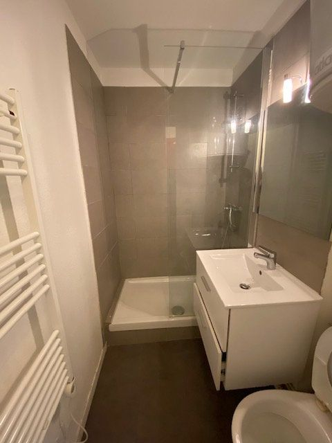 Appartement à louer 1 15m2 à La Seyne-sur-Mer vignette-3