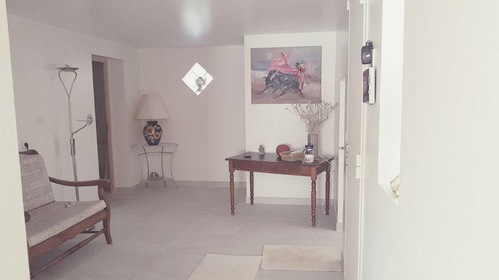 Maison à vendre 4 160m2 à Ollioules vignette-3
