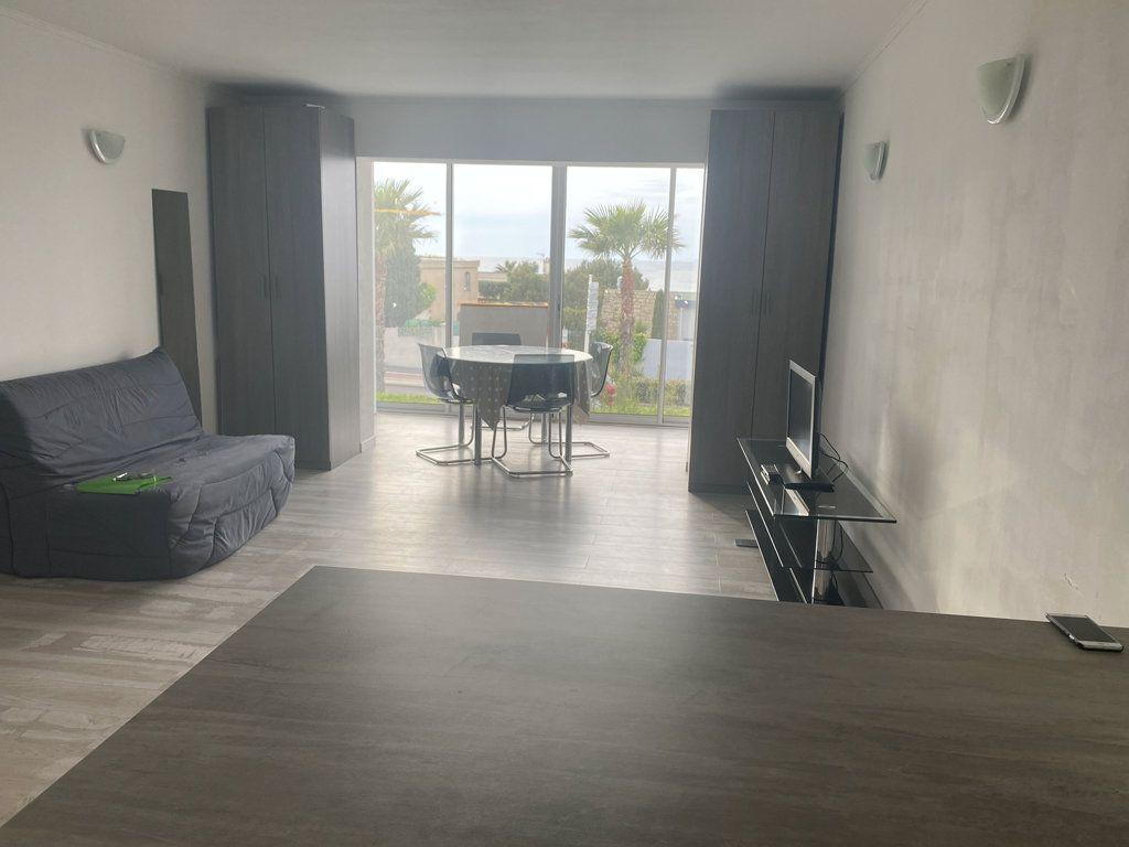 Appartement à vendre 1 35m2 à Six-Fours-les-Plages vignette-4