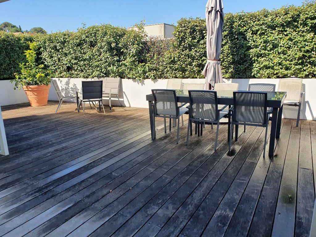 Appartement à vendre 4 120m2 à La Seyne-sur-Mer vignette-3