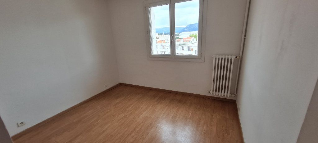 Appartement à vendre 3 57m2 à La Seyne-sur-Mer vignette-6