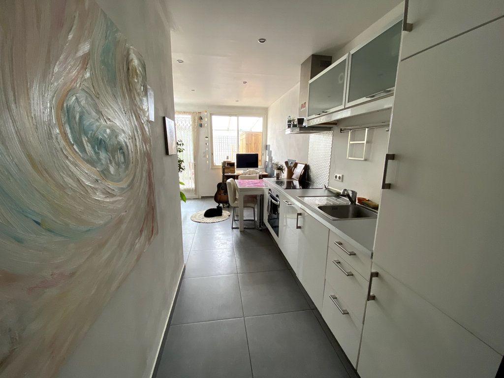 Appartement à vendre 2 40m2 à La Seyne-sur-Mer vignette-5