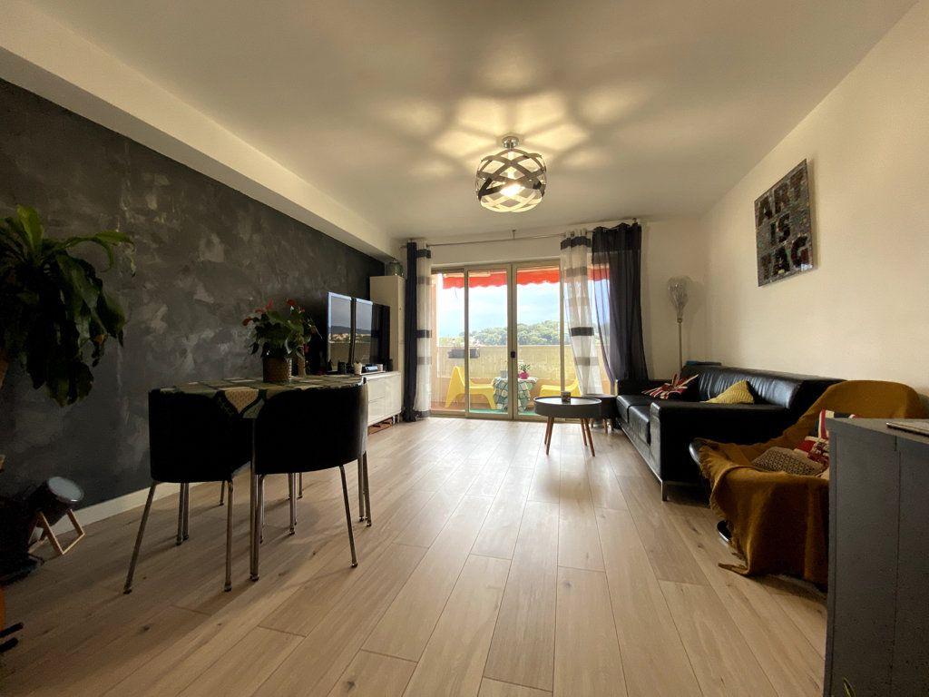 Appartement à vendre 3 61m2 à La Seyne-sur-Mer vignette-1