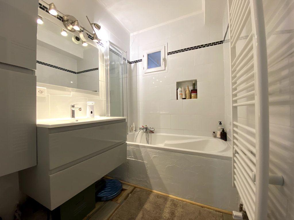 Appartement à vendre 3 61m2 à La Seyne-sur-Mer vignette-5