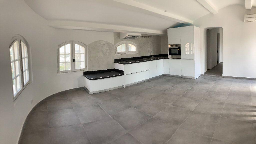 Appartement à vendre 4 82m2 à Sanary-sur-Mer vignette-1