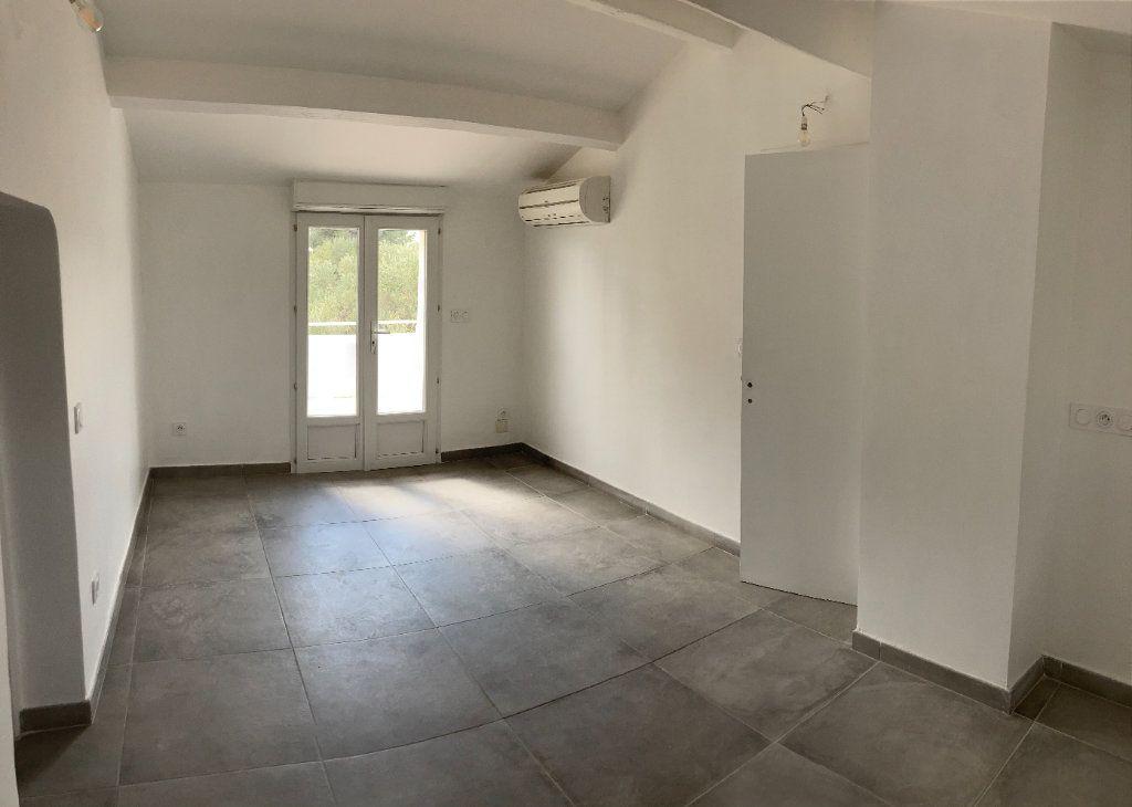 Appartement à vendre 4 82m2 à Sanary-sur-Mer vignette-2