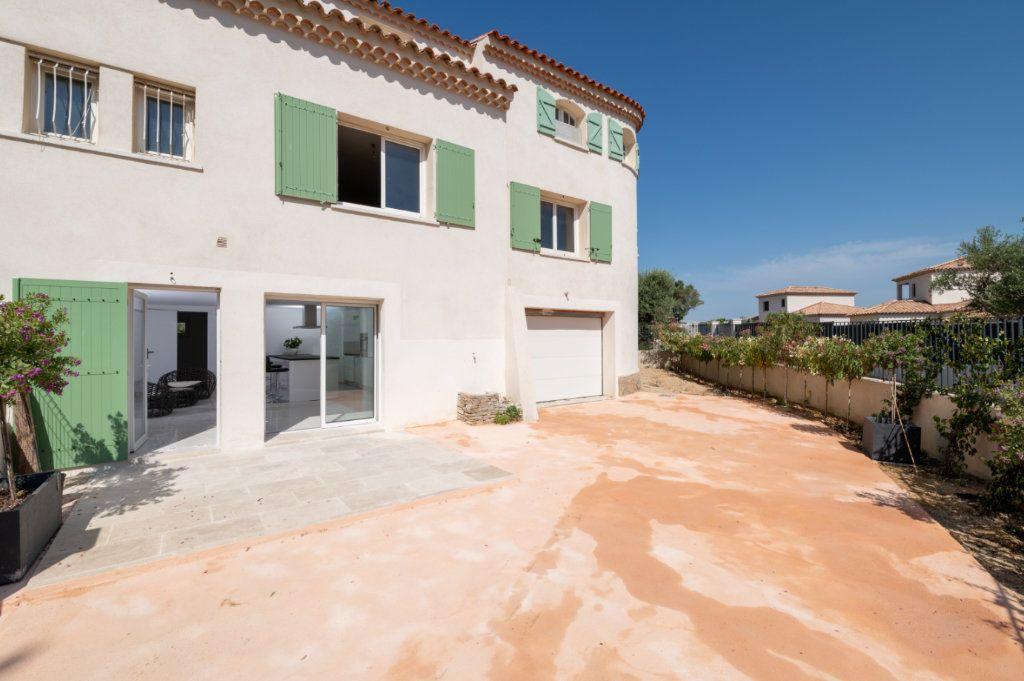 Appartement à vendre 4 92m2 à Sanary-sur-Mer vignette-1