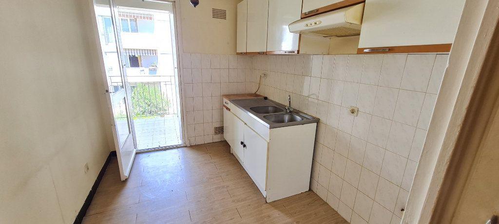 Appartement à vendre 4 70m2 à La Seyne-sur-Mer vignette-3