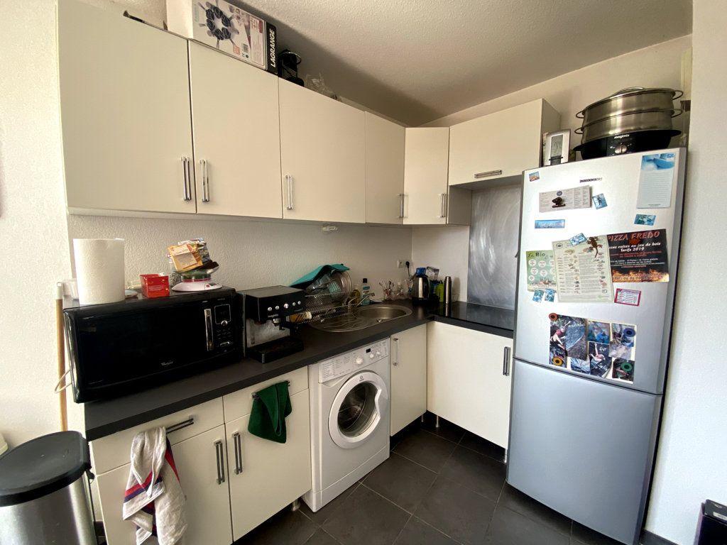 Appartement à vendre 2 44.7m2 à La Seyne-sur-Mer vignette-4