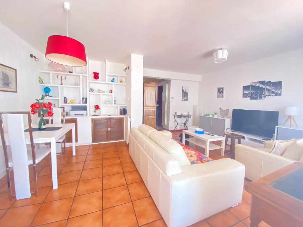 Appartement à vendre 4 68m2 à Toulon vignette-2