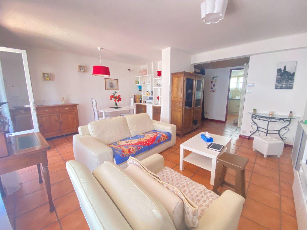 Appartement à vendre 4 68m2 à Toulon vignette-3